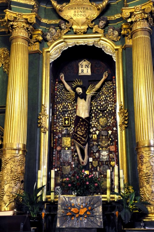 Mogiła - Cudowny Wizerunek Jezusa Ukrzyżowanego